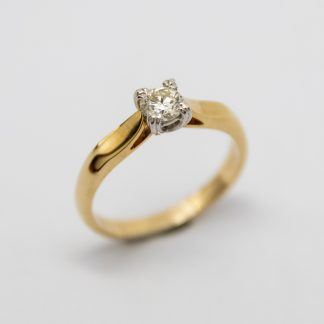 9ct Solitaire Diamond Ring_0