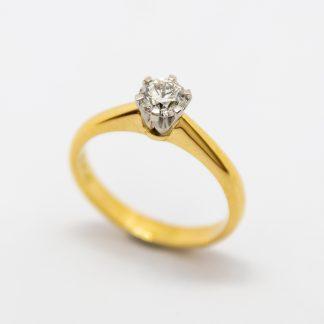 18ct & Diamond Solitaire Ring 1/2 Carst diamond_0