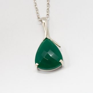 Stg Pear Green Onyx Chequer Pendant_0