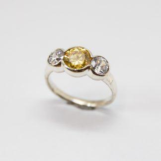 StgYellow & White Three Stone CZ Ring_0