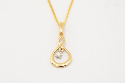 9ct Yellow Gold Diamond Pendant_0