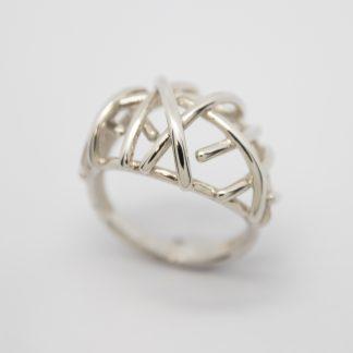 Stg Random Cris Cross Ring - Small_0