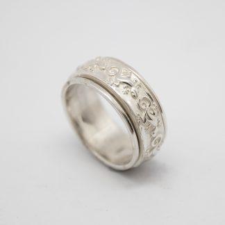 Stg Geko Spinner Ring_0