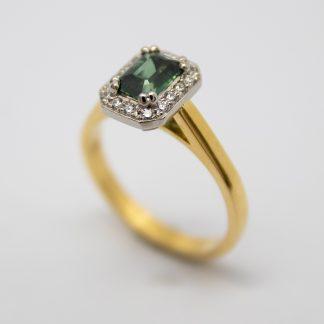 18ct Green Sapphire and Diamond Ring_0