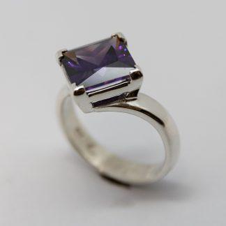 Stg Square Purple CZ Ring_0